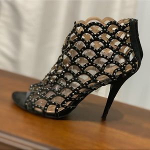 Zigi Soho  heels size 8.5 inches